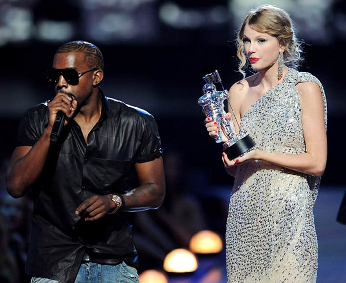 Kanye West Interrupting Taylor Swift
